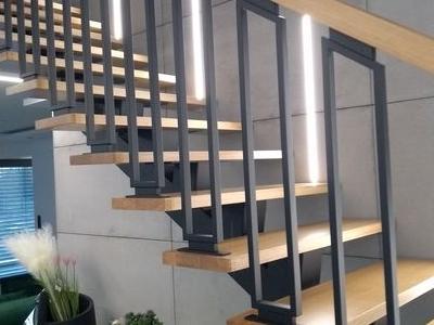 schody konstrukcja metalowa 3